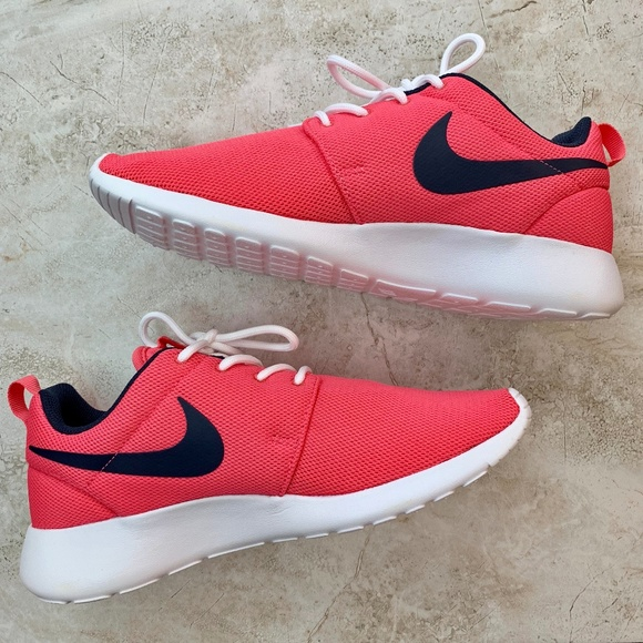 d2b328c3e4708 NIKE — Women s Coral Pink Roshe One Running Shoes